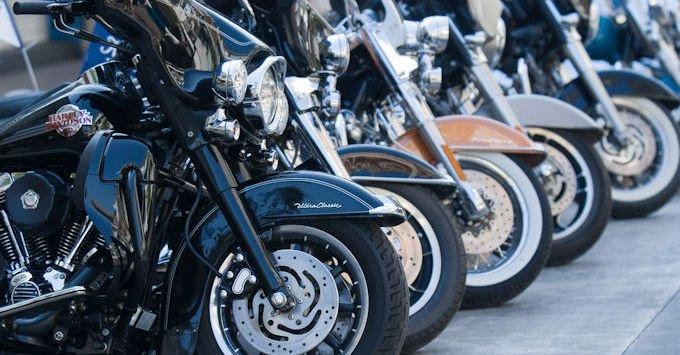 A row of Harley Davidson motorcycles